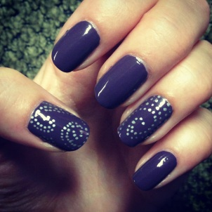 Manicure Monday: Faux Diamonds via The Collabor-Eight