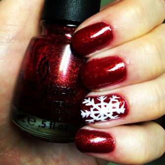 Manicure Monday: Snowflake via The Collabor-eight