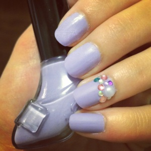 Manicure Monday: Pretty Glam via The Collabor-eight